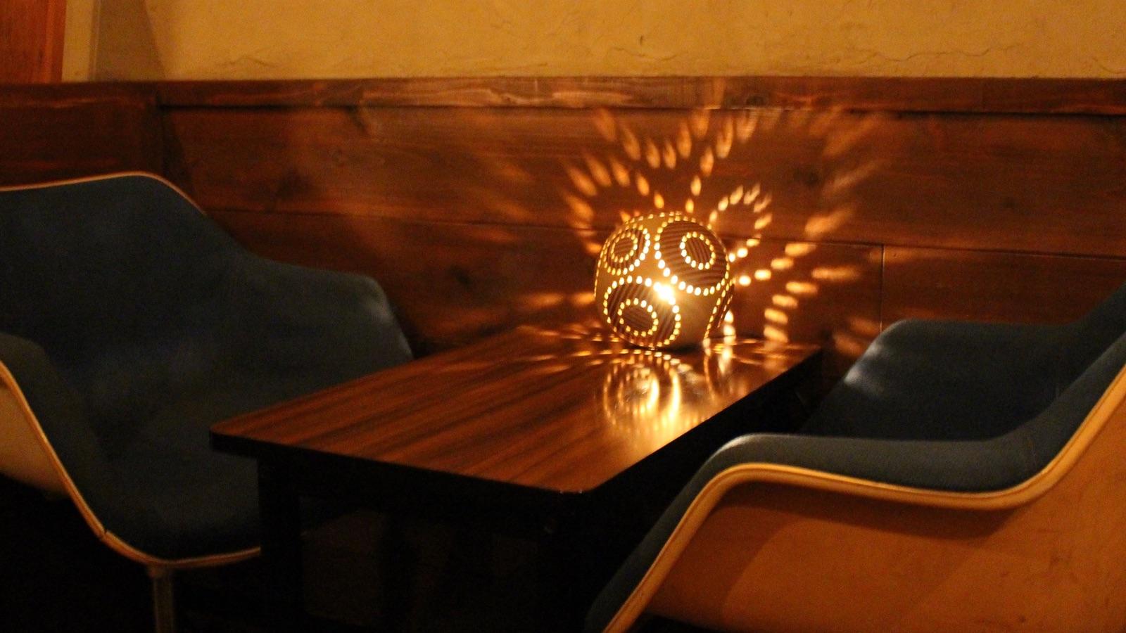 さつまダイニング5:5店内のテーブル席